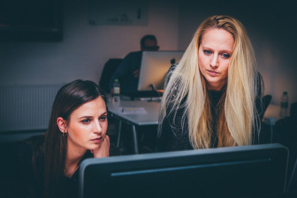 Gründe für Berufsunfähigkeit in Bürojobs
